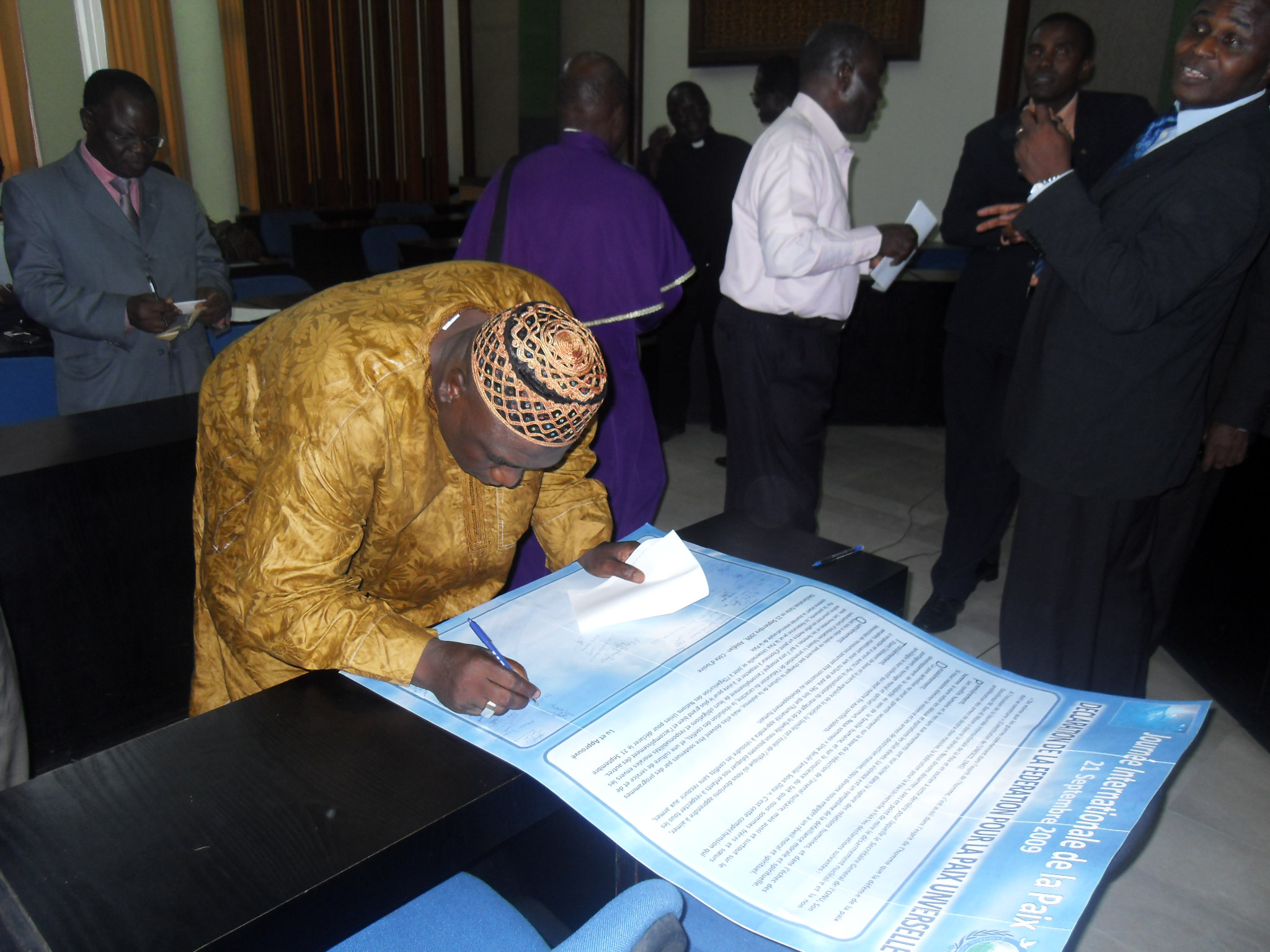 signing the declaration3