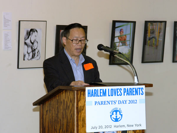 us-nyc-parentsday_07